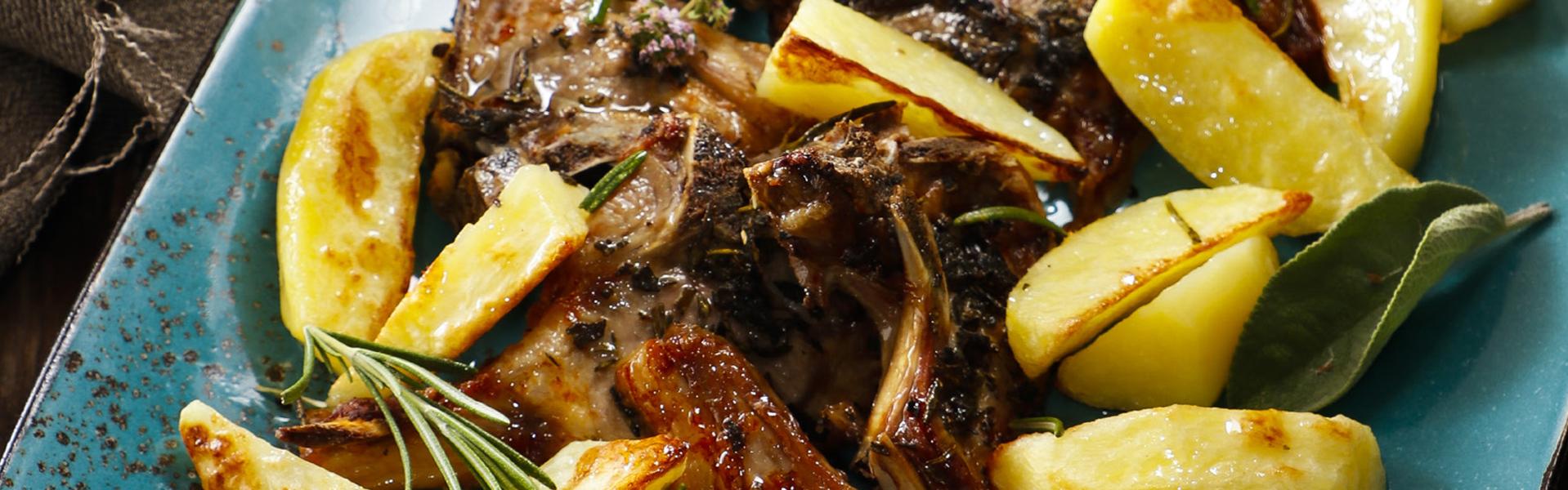 Bracioline d'agnello con patate