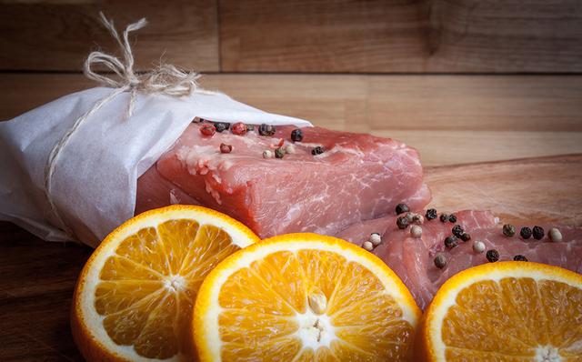 Pratos principais: Orange-flavoured veal and mascarpone rolls