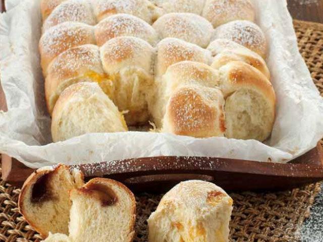 Sobremesa: Pequenas bolas de pão recheadas com geleia