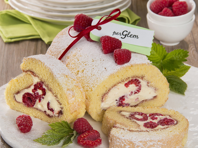 Desserts: Chantilly cream and raspberry roll