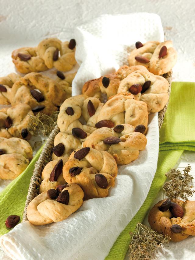 Biscoitos Taralli em banha de porco com erva-doce