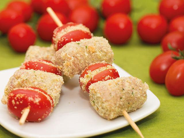 Espetadas com tomates-cereja
