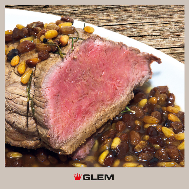"""Tagliata"" steak with sultanas and pine nuts"