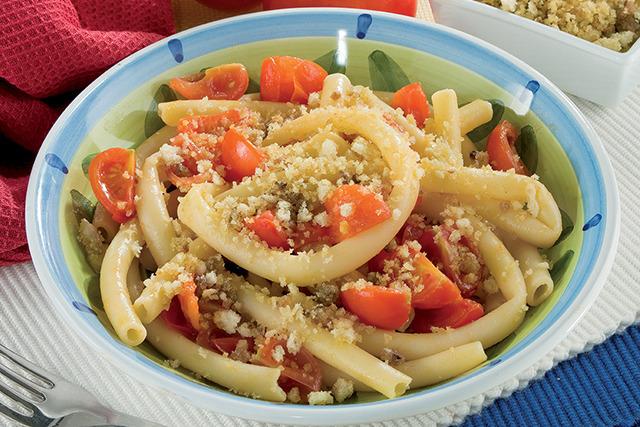 Macaroni aux anchois et chapelure