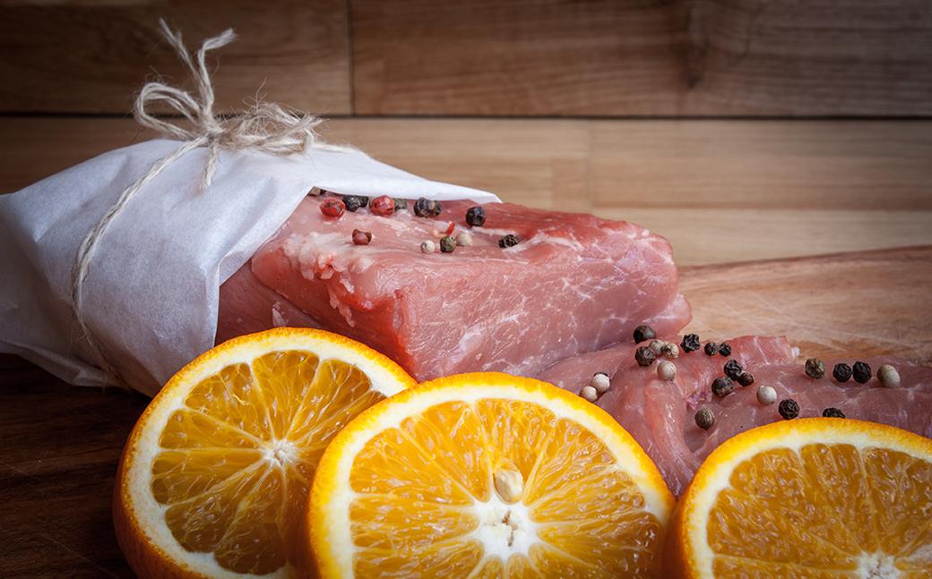 Orange-flavoured veal and mascarpone rolls