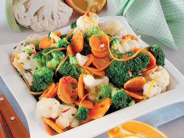 Salads and sides: Salad with cauliflower, broccoli and carrots