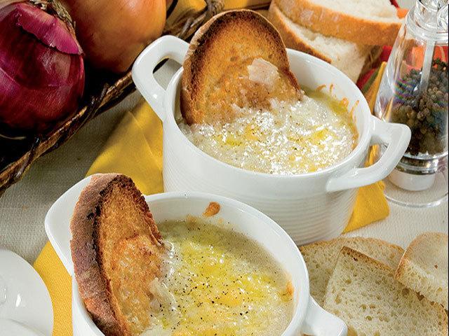 Antipasti: Zuppa di cipolle