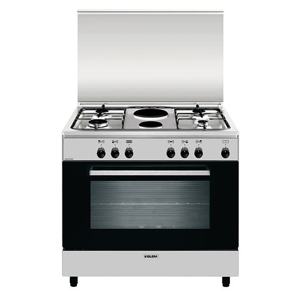 Electric oven with electric grill